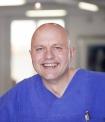 Portrait Dr. Lorenz Holtwick, Praxis für Mund-, Kiefer- und Gesichtschirurgie im St. Ansgar-Krankenhaus, Dr. Lorenz Holtwick, Norbert Drews & Partner, Höxter, Zahnarzt, MKG-Chirurg, Oralchirurg