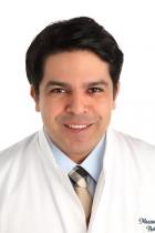Portrait Massud Hosseini, KÖ-AESTHETICS, Praxis-Klinik für Plastische und Ästhetische Chirurgie, Düsseldorf, Plastischer Chirurg