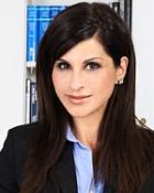 Portrait Dr. med. Peymaneh Amini, Praxis für Plastische/Ästhetische Chirurgie,Handchirurgie, Bad Homburg, Plastische Chirurgin
