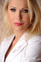 Portrait Dr. med. Darinka Keil, Private Hautarzt & Laserpraxis, Laser & Skincare, Haßloch, Hautärztin