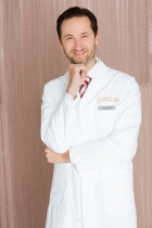 Portrait Dr. Gunther Arco, Dr. Arco – Aesthetik Klinik, Graz, Chirurg