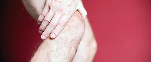 Wie wird eine Schleimbeutelentzündung am Knie behandelt?