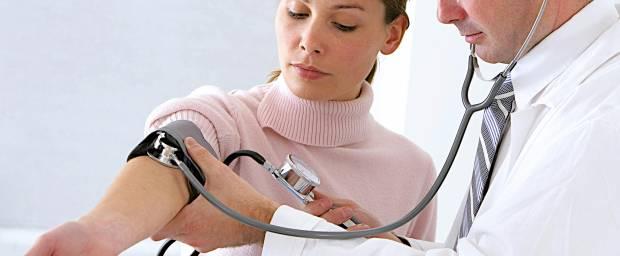 Bluthochdruck - welche Symptome können bei Frauen auftreten?