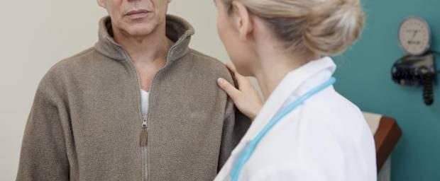 Mann erhält schlechte Prognose von Ärztin