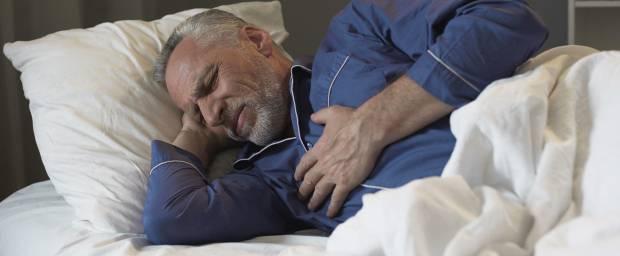 Warum treten Herzrhythmusstörungen nachts im Liegen auf?