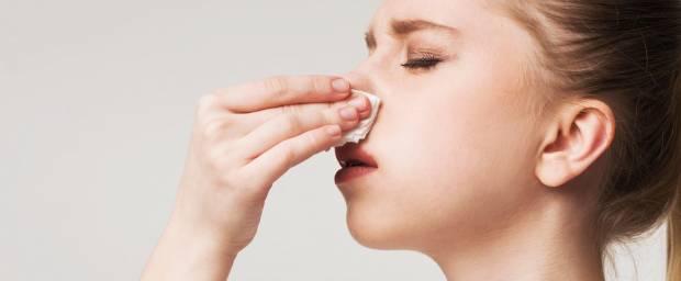 Wie hängen Kopfschmerzen und Nasenbluten zusammen?