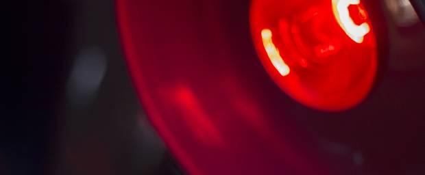 Rotlicht-Lampe zur Wärmebehandlung
